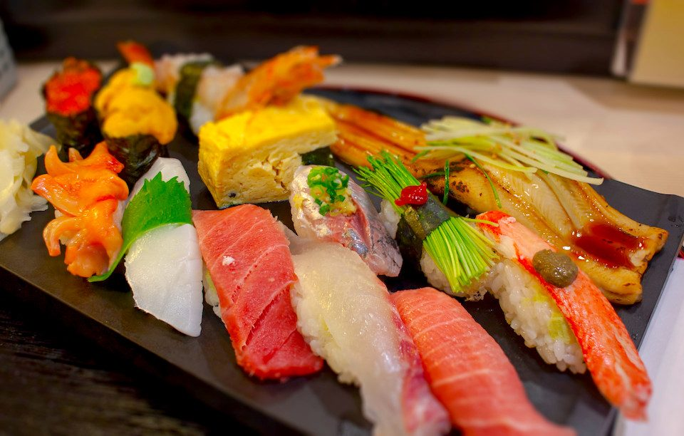 Café da manhã com sushi em Tsukiji