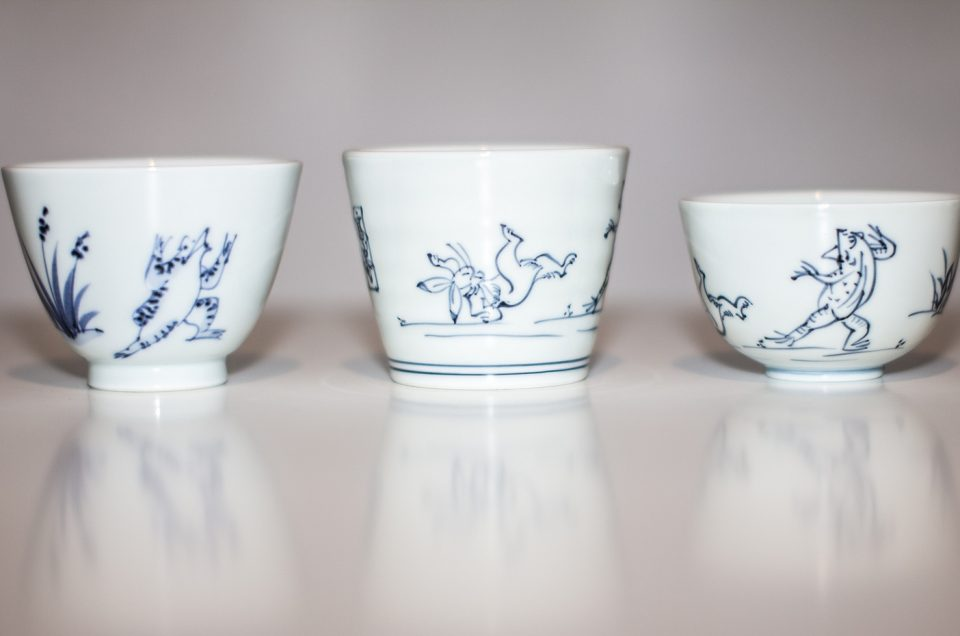 Visita com um galerista para artes com cerâmica