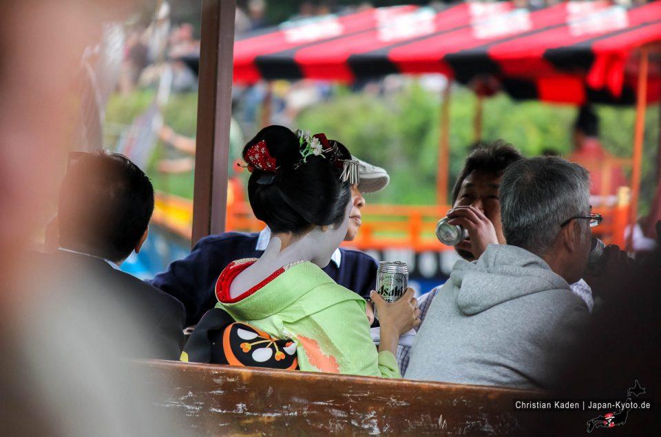 Experiência de um jardim de cerveja japonesa e uma maiko